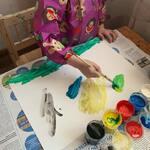 💜Tidy Tot pikk kittel-põll on asendamatu abiline vanemate lastega, kes söövad iseseisvalt või kui peres kasvab väike kunstnik 🎨 Pikka lõikega ja varukatega põll kaitseb lapse riideid niiskuse ja mustuse eest. Tidy Tot pikk kittel-põll on pesumasinas pestav 😊  🌺 Hind on 16.50 💶  ———————— 💜 TidyTot длинный нагрудник незаменимый помощник для детей старшего возраста, которые самостоятельно питаются или когда в семье подрастает маленький художник 🎨 Фартук с длинным кроем и рукавами защищает одежду ребенка от влаги и загрязнения. Tidy Tot длинный нагрудник можно стирать в машинке 😊  🌺 Цена 16,50 💶 ————————- Tidy Tot long length coverall bib is an irreplaceable helper for older children who eat independently on their own or when a little artist grows up in the family 🎨 The long-sleeved bib protects the child's clothes from moisture and dirt.  Tidy Tot long length coverall bib is machine washable 😊 🌺 Price 💶 16.50  #tidytotestonia #tidytoteesti  #tidytottallinn #tidytotpikkpõll #tidytotkittelpõll #varukategapõll  #kunstipõll  #lastepõll  #lastepõlled  #lastekaubad  #lastekaubadmustamäe  #lastekaubadtallinnas  #lastekaubadeesti  #tidytotcoverallbibph  #babyshopestonia  #babystoreestonia  #tidytotэстония #tidytotталлинн #tidytotнагрудник #tidytotфартук #нагрудникдлякормления  #нагрудникэстония #нагрудникдлядетей  #нагрудникдлярисования  #фартукдлярисованиядетский  #фартукдлярисования  #нагрудниксрукавами  #детскиетовары  #детскиетоварыталлинн #детскиетоварыэстония